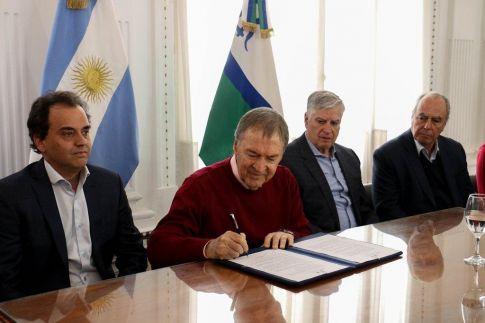 Río Cuarto: Schiaretti firmó el convenio para la pavimentación del Bv. Buteler