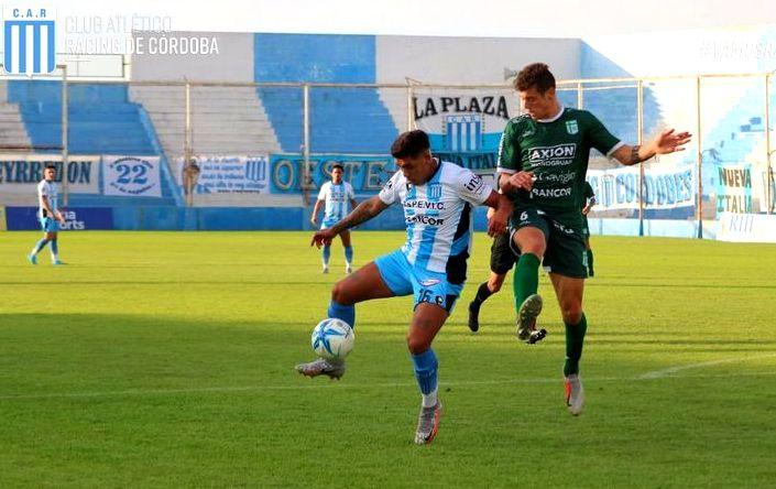 Racing de Córdoba ganó, sigue invicto y puntero en el Torneo Federal A