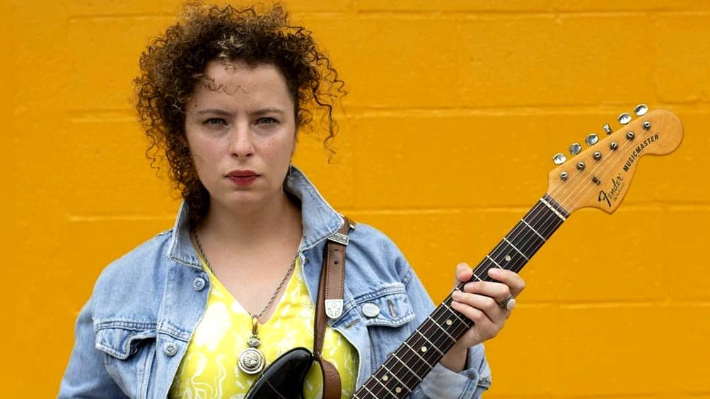 Sol Bassa, nominada a los Gardel, cultiva un rock cruzado por el blues y el country