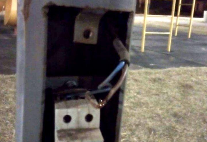 Malestar en el municipio por roturas de elementos en espacios públicos
