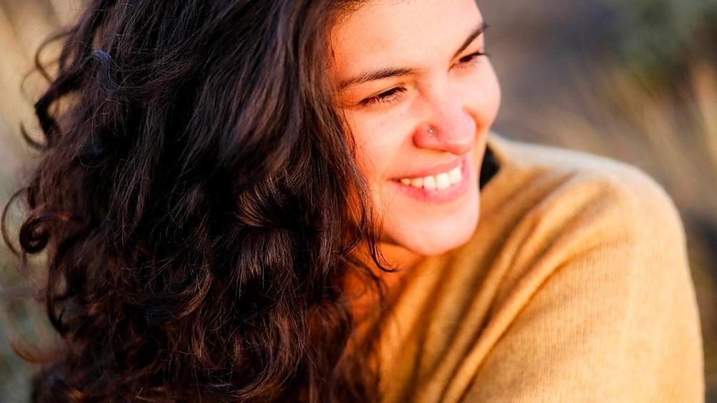 Camila Warner, Sureña que le canta a la Patagonia, una región silenciada y atropellada